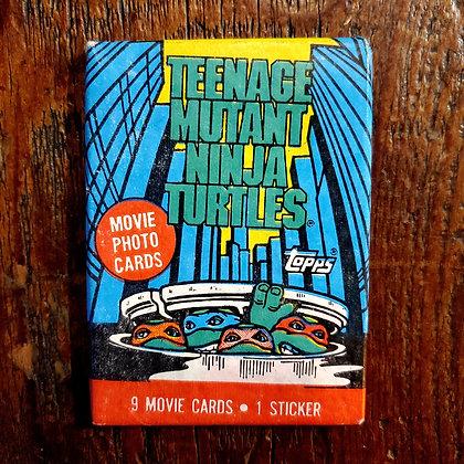 1 Sealed pack of 1990 TEENAGE MUTANT NINJA TURTLES Trading Cards