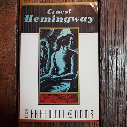 Hemingway, Ernest - A FAREWELL TO ARMS (Softcover)