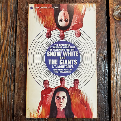 McIntosh, JT - SNOW WHITE AND THE GIANTS 1968 Paperback