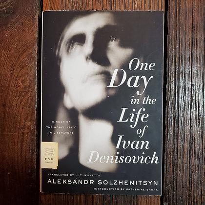 Solzhenitsyn, Aleksandr : ONE DAY IN THE LIFE OF IVAN DENISOVICH -Softcover Book
