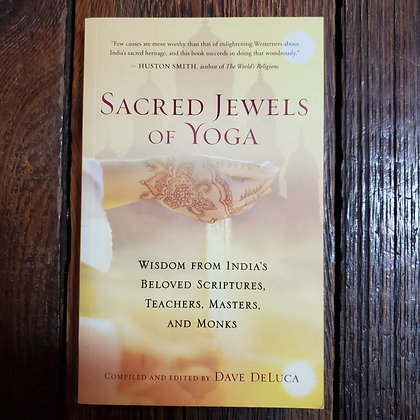 DeLuca, Dave : SACRED JEWELS OF YOGA - Softcover Book