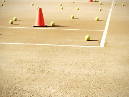 住宅街の中のテニスクラブ