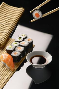 Роллы, японская кухня