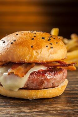 Rosita Café - Bacon Burger 1 - Rodrigo