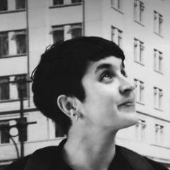 Antonia Isaacson: Apoyo en Comunicaciones