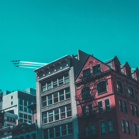 Blue Angels & Thunderbirds Fly Over NYC