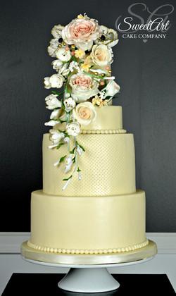 Romantic Vintage Ivory Wedding Cake