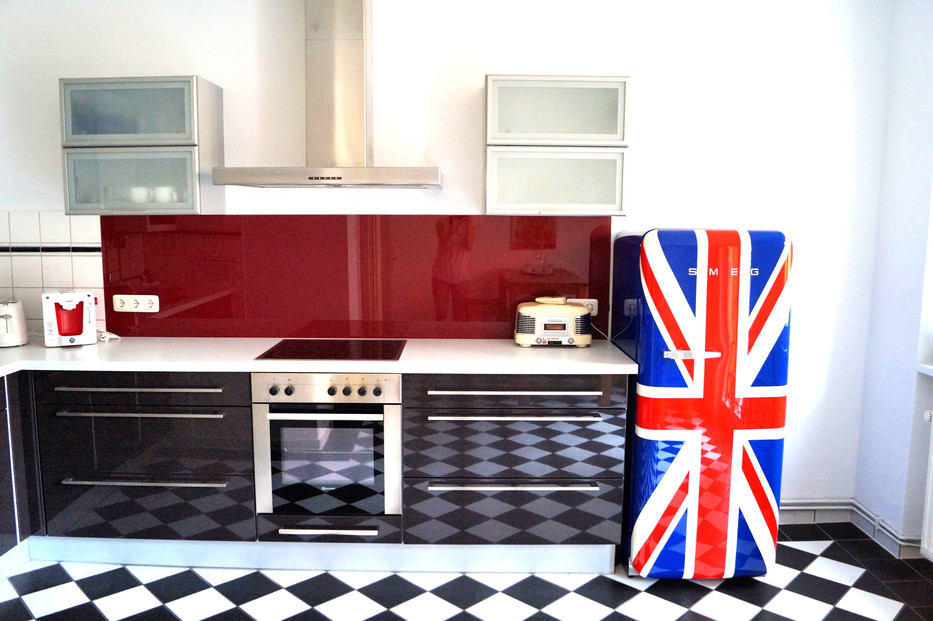 19_0927-kitchen_edited.jpg