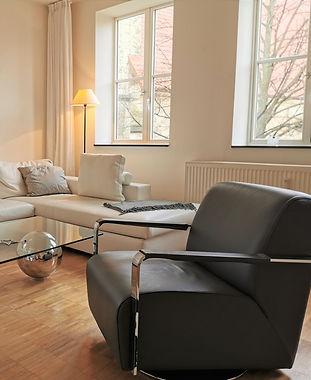 21_0315-livingroom (2).jpg
