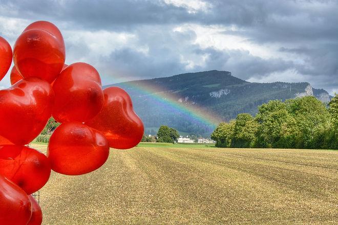 rainbow-1308037_1920.jpg
