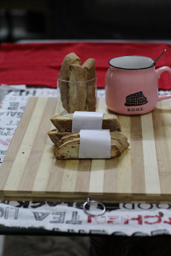 Traditional Almond Italian Biscotti