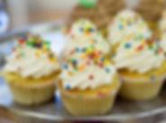 cupcakes-2250367_1920.jpg