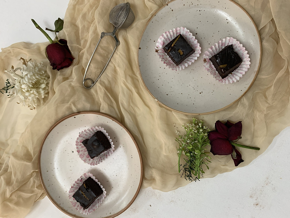 Easy 4 Ingredients Orange Chocolate Fudge by Bakeinline
