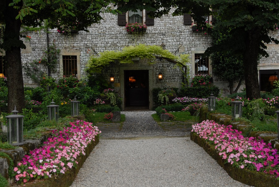 Entrance of L'Ultimo Mulino