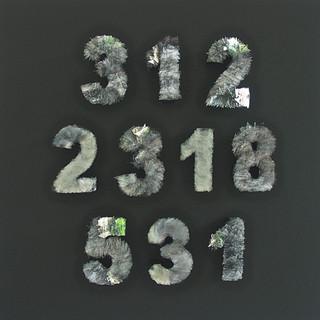 T. Fibonacci 2013, Glas, Pappe, Holz, 100x100x15 cm