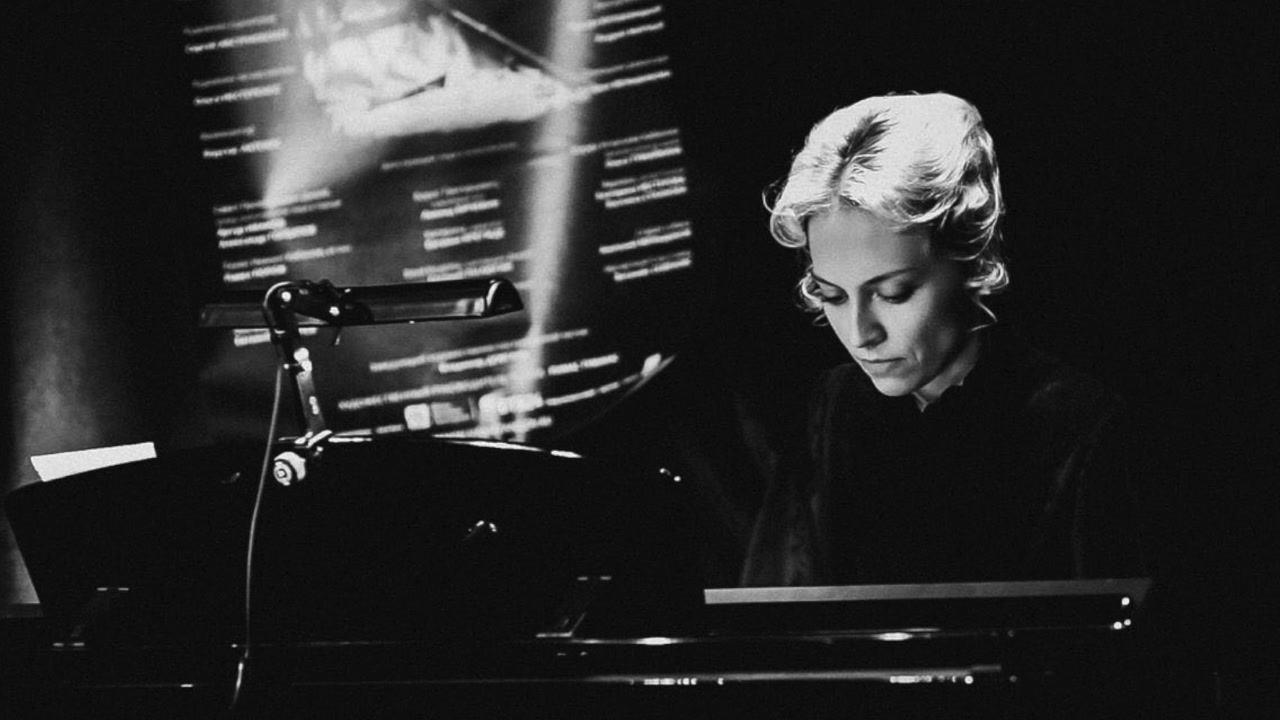 Закончили Музыку к новому  фильму с Элла Тухарели!!👏🏼👏🏼👏🏼😌  https://soundcloud.com/marina-makarova/sea-march  -------------------------------------------------------