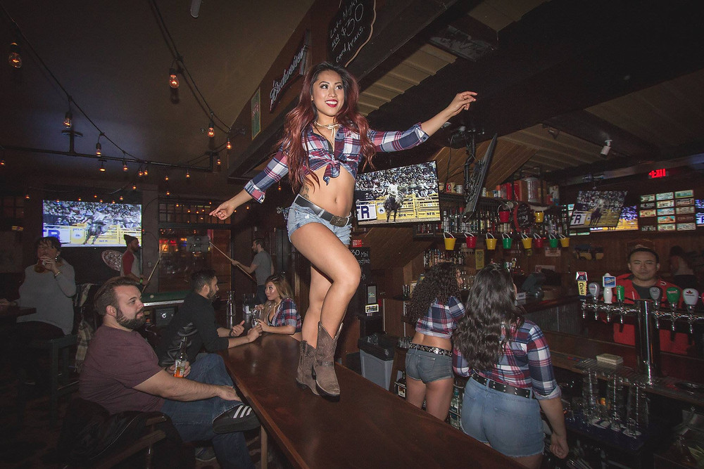 Coyote Thursdays at the Yale with Showgirl Shenanigans 2016