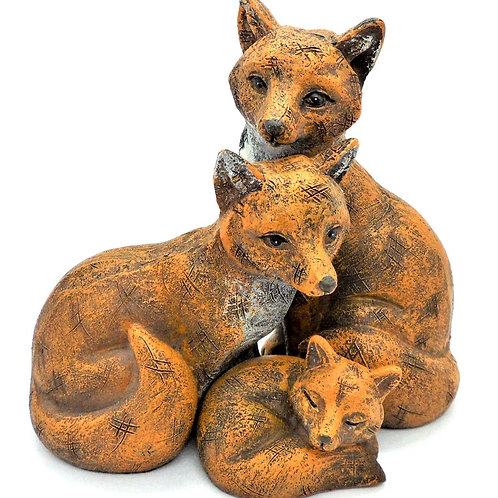 Interlocking Foxes from Willow