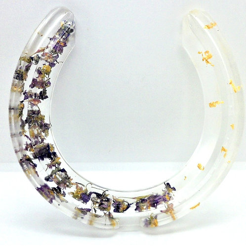 Resin Horseshoes by New House Cottage Creations