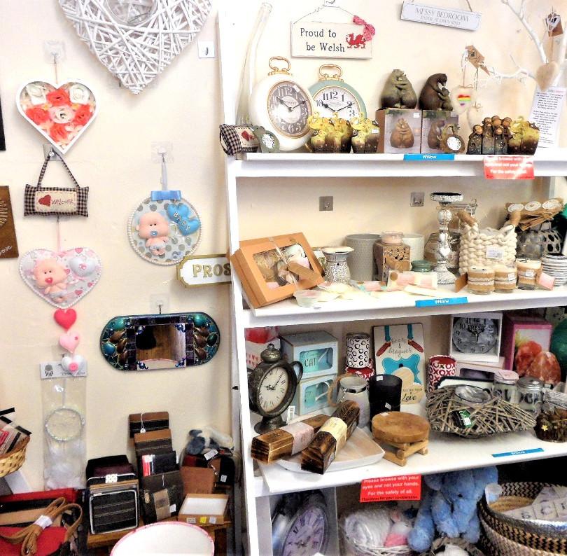 Teme Treasures Rent a Shelf Shop