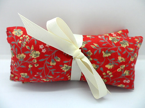 Handmade small lavender scented pouches by Sew & Sew