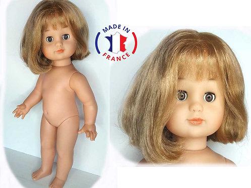 Emilie de PetitCollin  blonde  carré avec frange 964752
