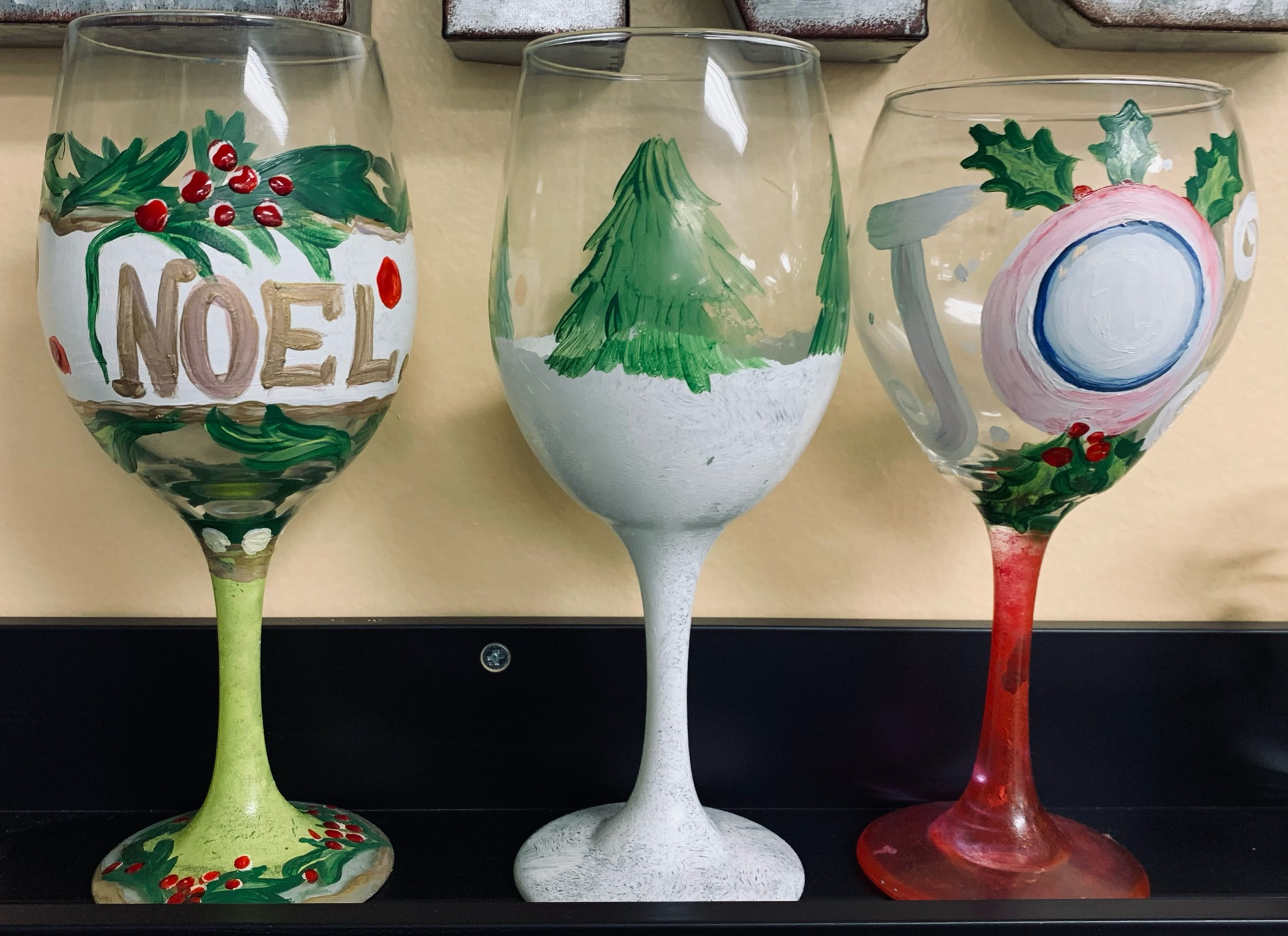 CHRISTMAS GLASSWARE PAINTING
