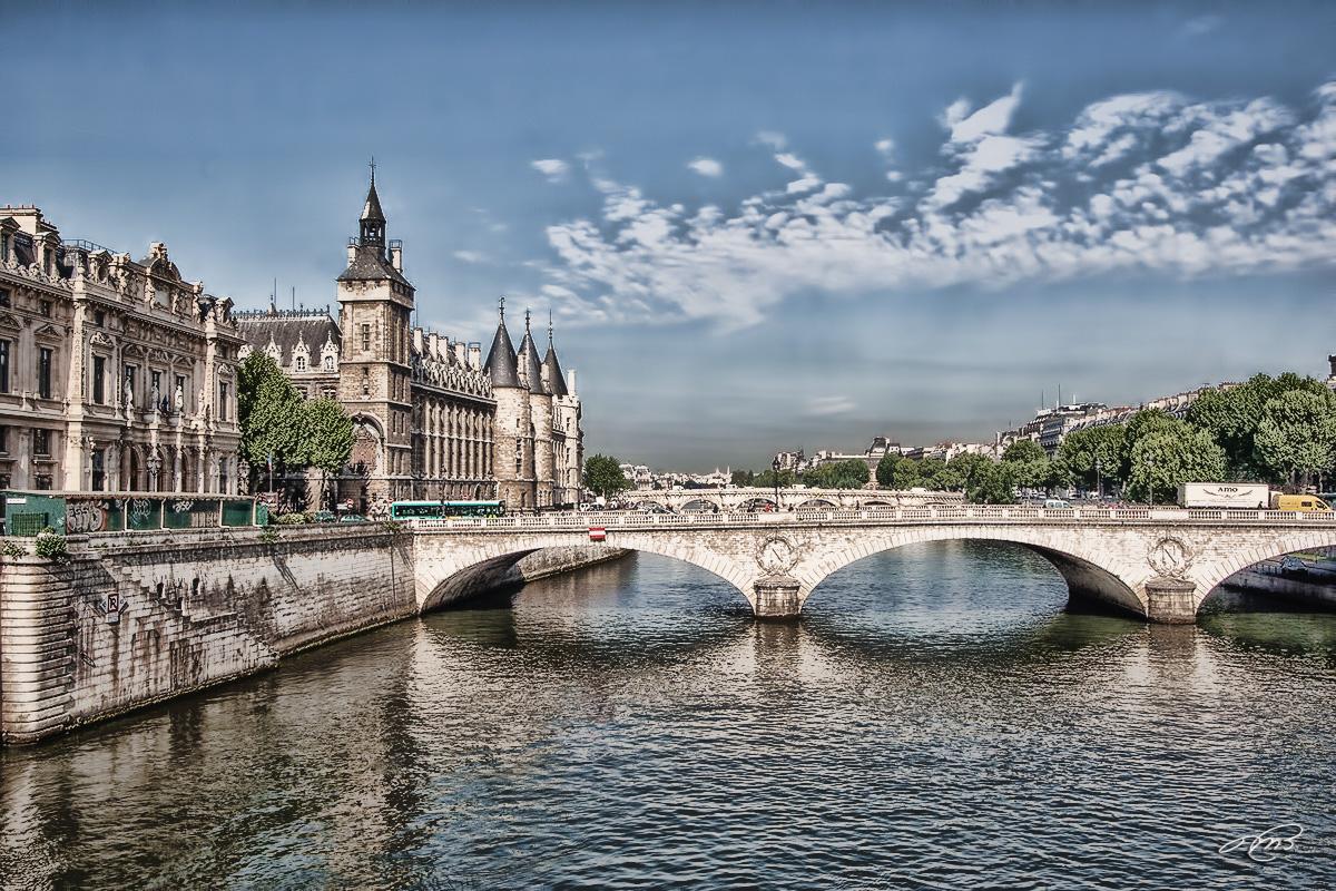 Paris IMG_8089.jpg
