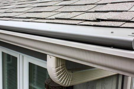 Understanding Roof Maintenance with Seamless Gutters