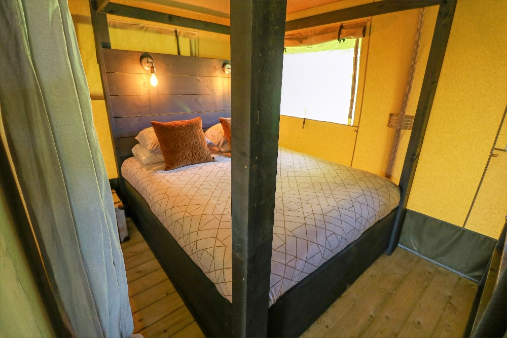 Four Poster Bed Glamping