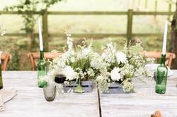 Delicate wedding table arrangement