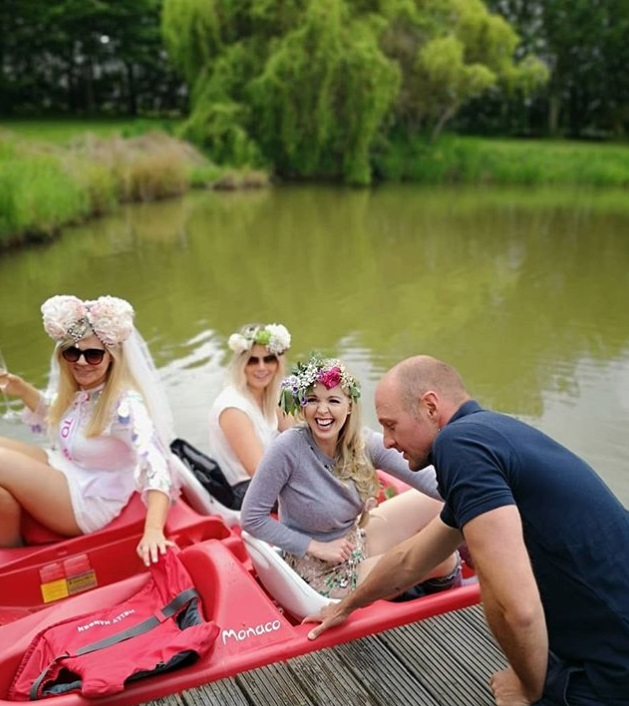 Hen do on lake