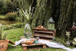 Relaxed wedding setting