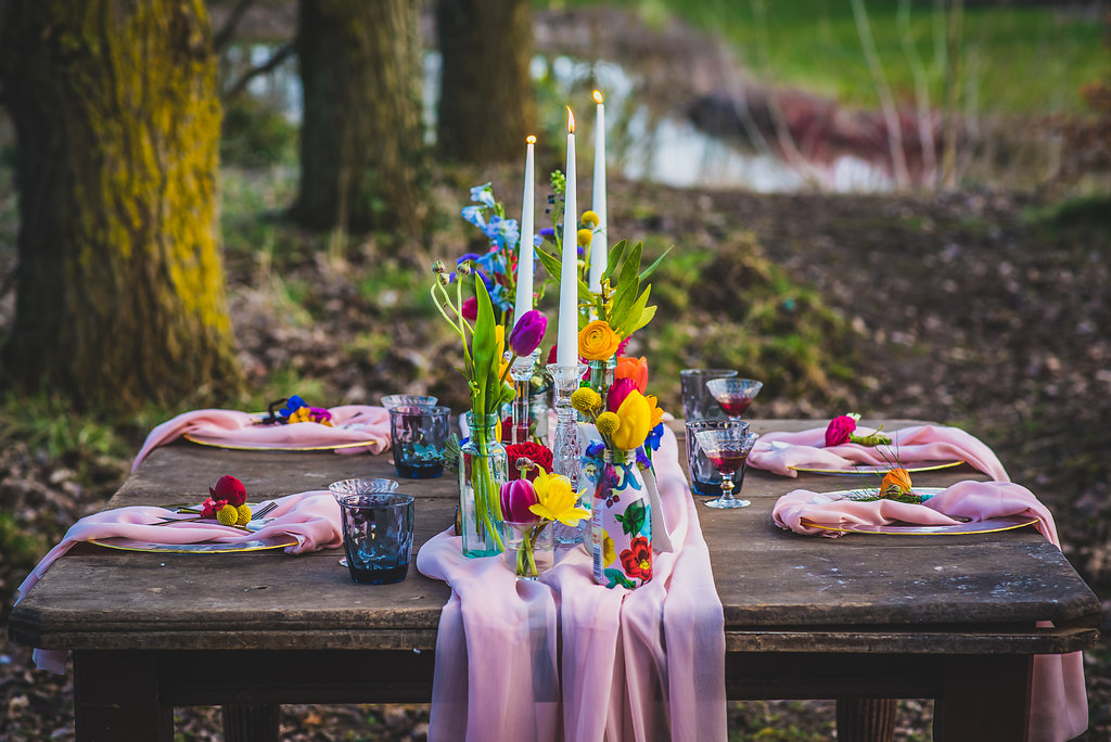 Colourful wedding table