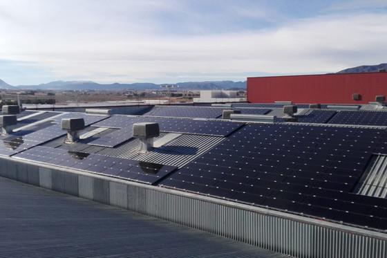 El autoconsumo fotovoltaico, mejor en cubiertas inclinadas