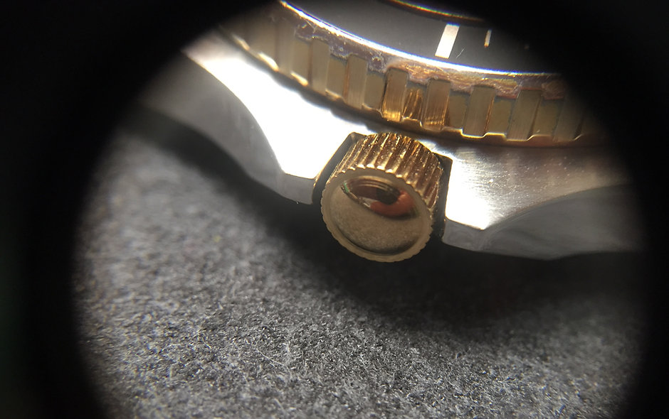 Gold crown for jumbo Heuer two tone and gold models - 980.022 980.021 980.024