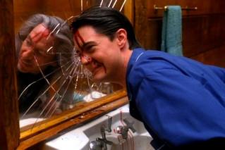 Twin Peaks Leaves A Tiny Slot Into It's Season 3