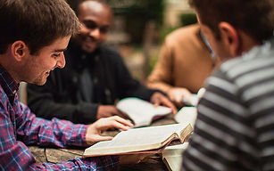 reparto-biblias-20150624131521.jpg