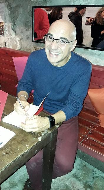 scrittore firma.jpg