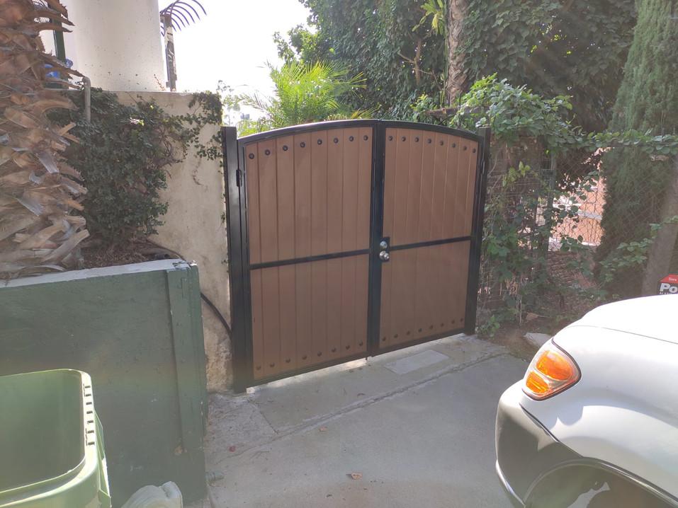Globus Composite Gates