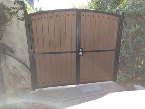 Globus Composite Gates!