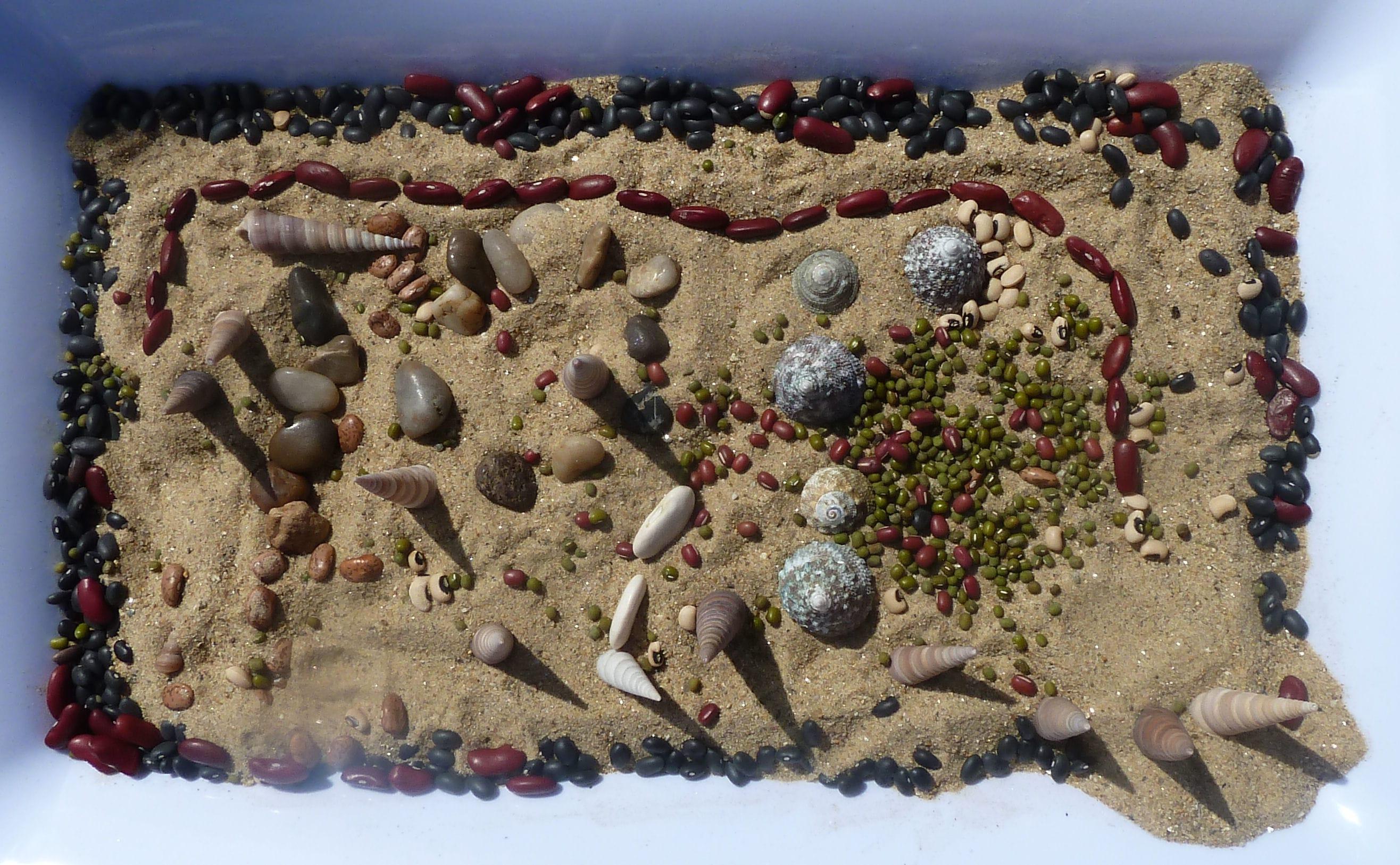 ARTrageous Kids 2013 Sand Mosaic wkshps. June Kingsbrea Gardens (33) artwork in sand-min