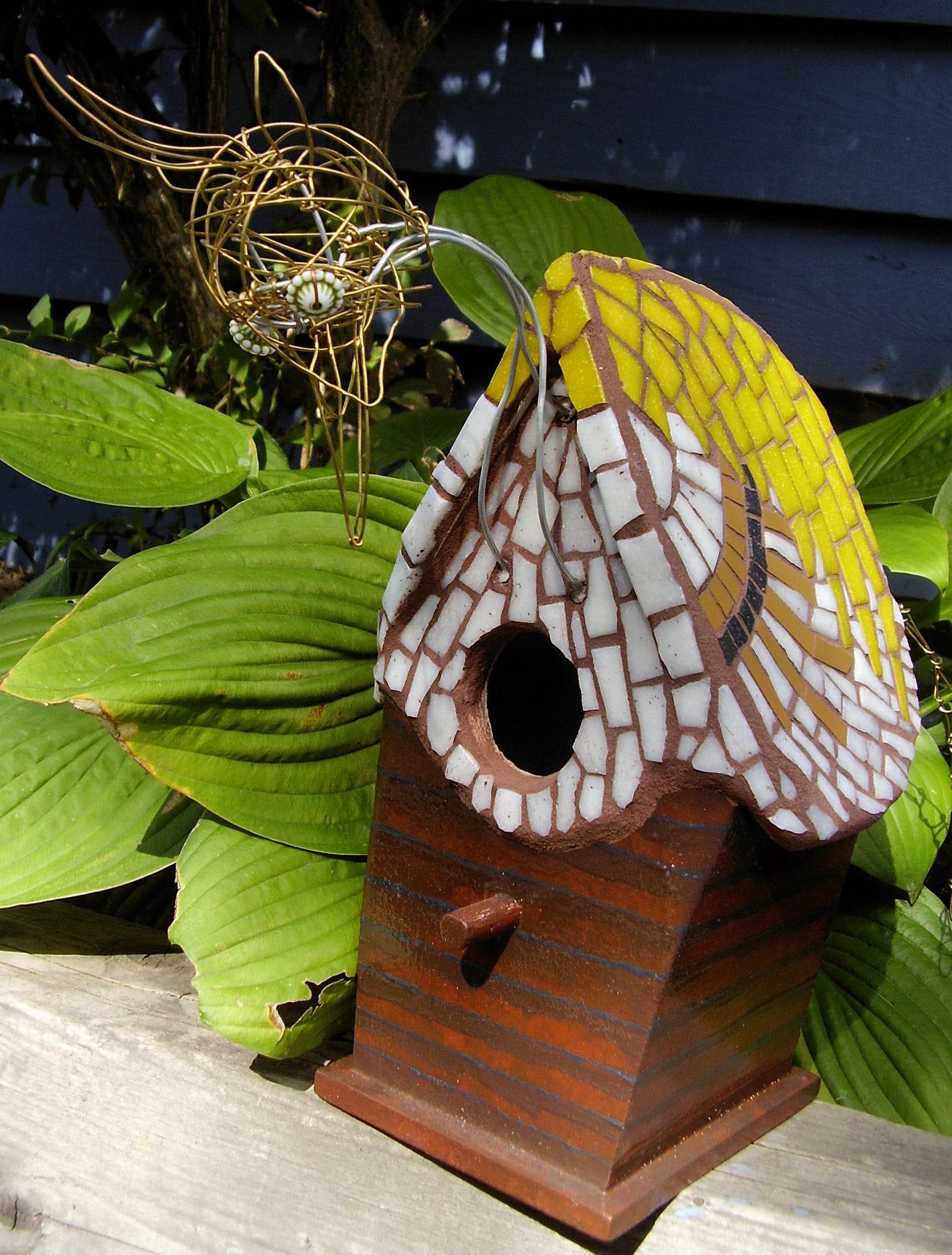 Clapboard Birdhouse 2007-min