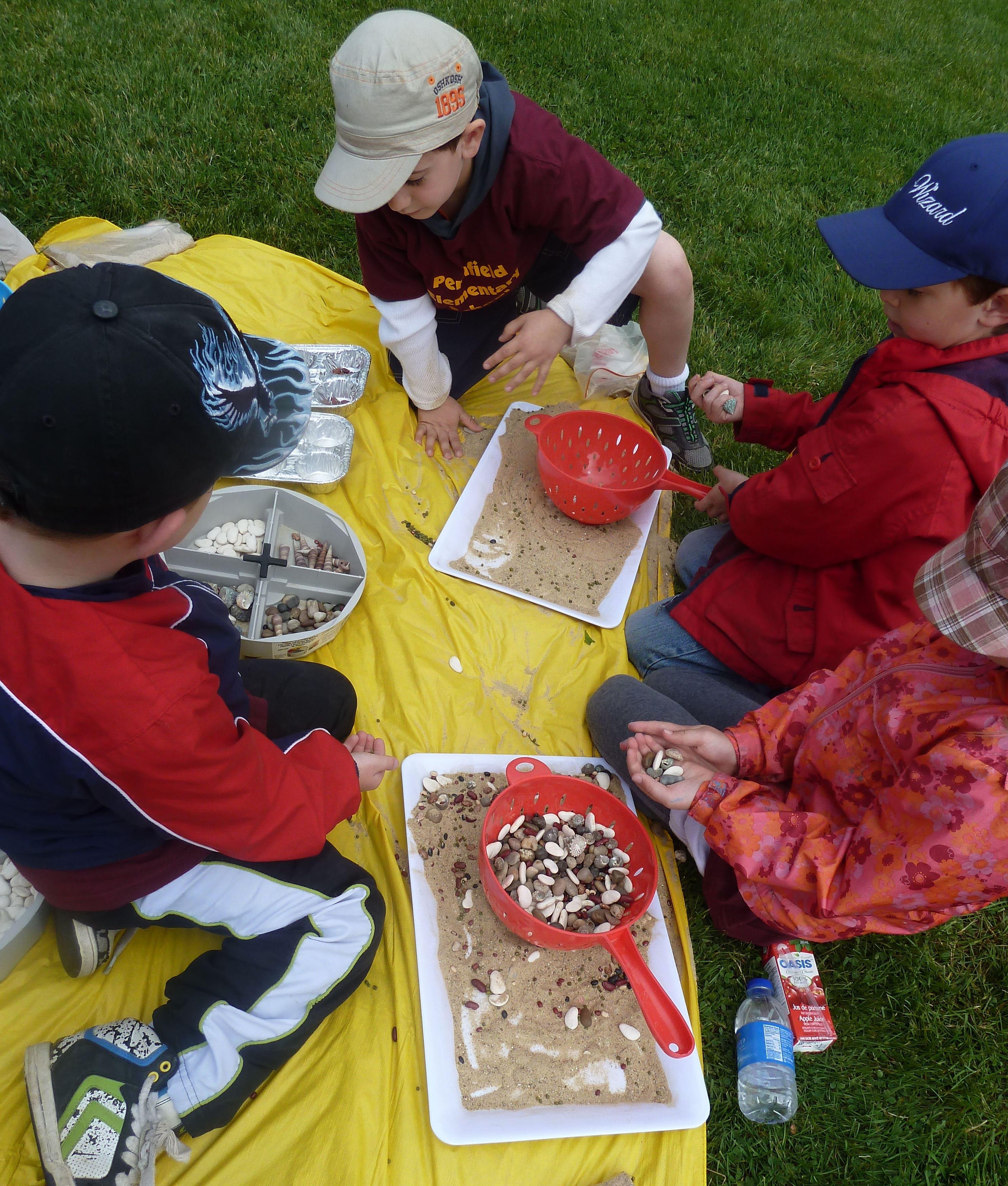 ARTrageous Kids 2013 Sand Mosaic wkshps. June Kingsbrea Gardens (22) seiving-min