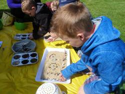ARTrageous Kids 2013 Sand Mosaic wkshps. June Kingsbrea Gardens (37)-min