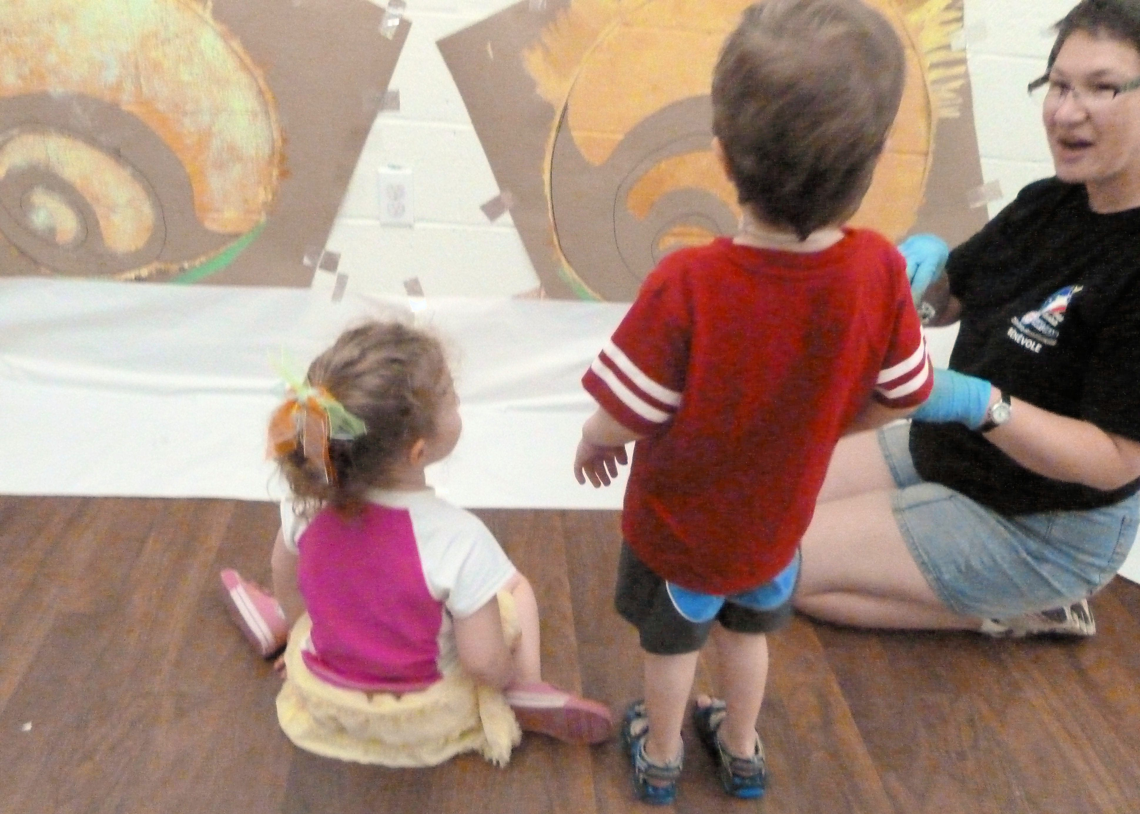 Avril send-Snail Mural SJECC July 2011 (145)-min