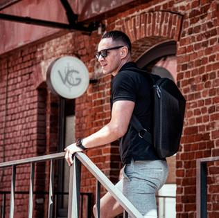 fashion съемка с рюкзаком