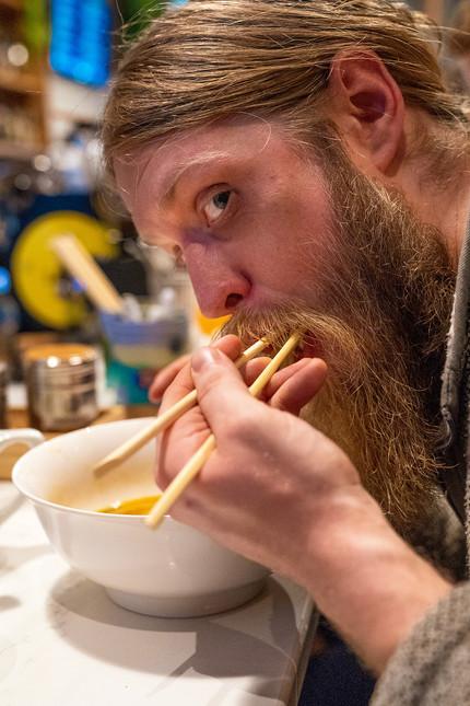 justin eating noodles, 2020