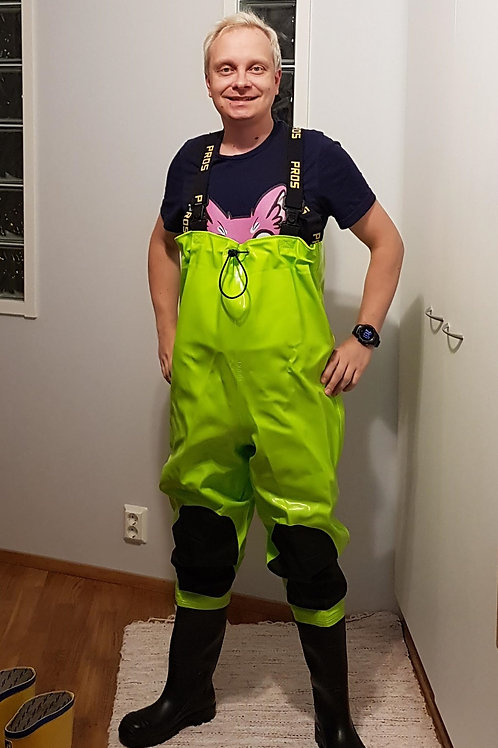 Lime chest waders, size 40