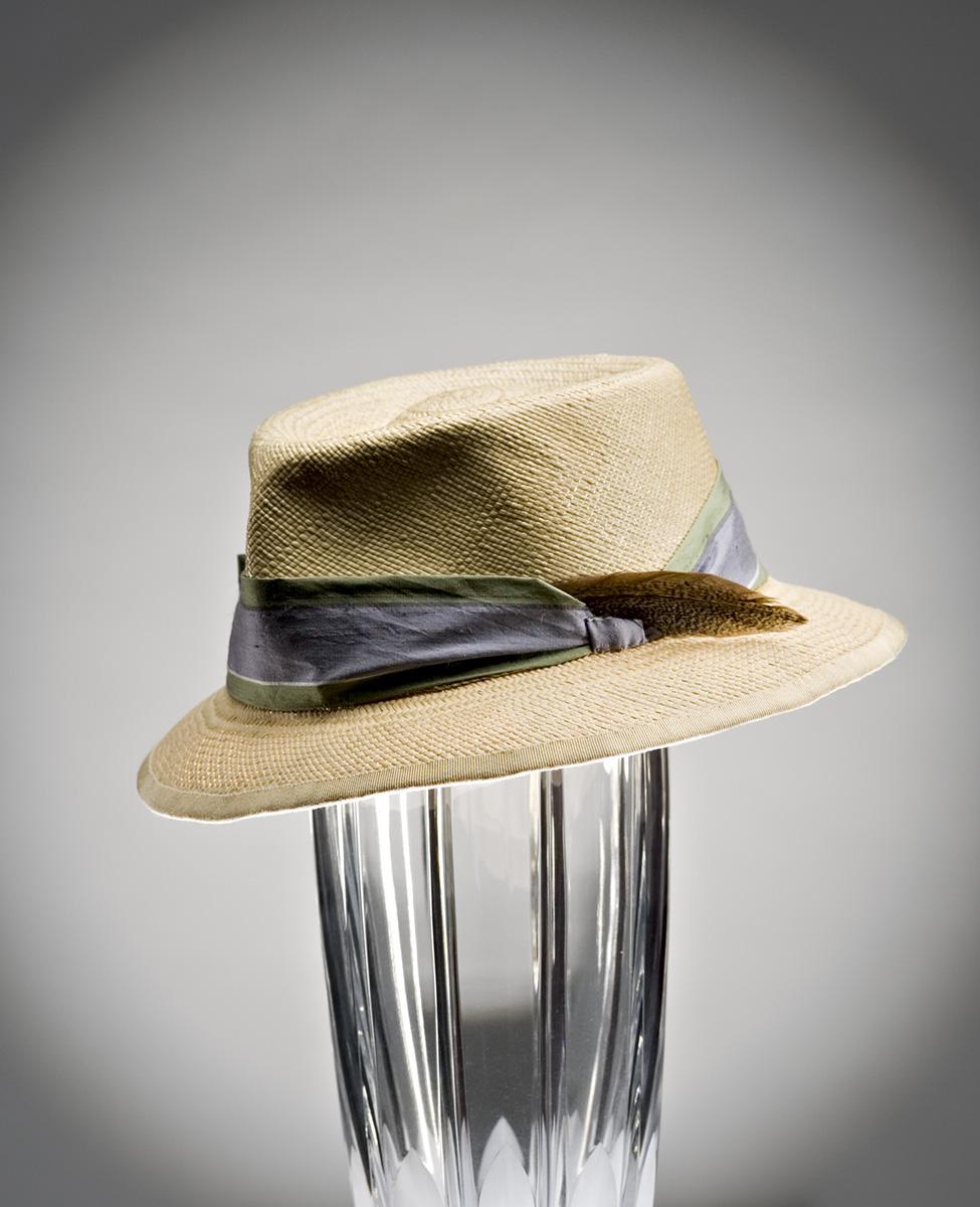 hats9[1].20_028627